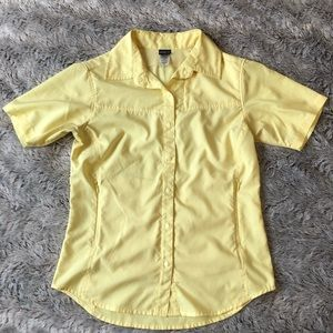 Patagonia 100% polyester short sleeve. Size 4